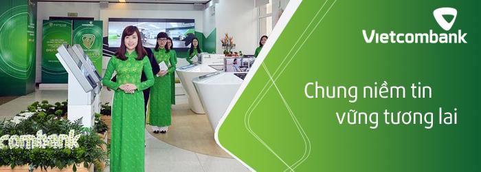 Đội ngũ nhân viên Vietcombank luôn sẵn sàng hỗ trợ khách hàng