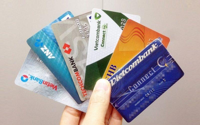 Thẻ Vietcombank chuyển khoản cho Agribank
