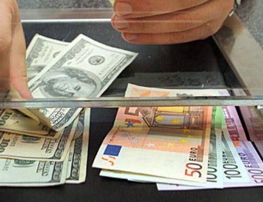 Đổi USD từ ngân hàng