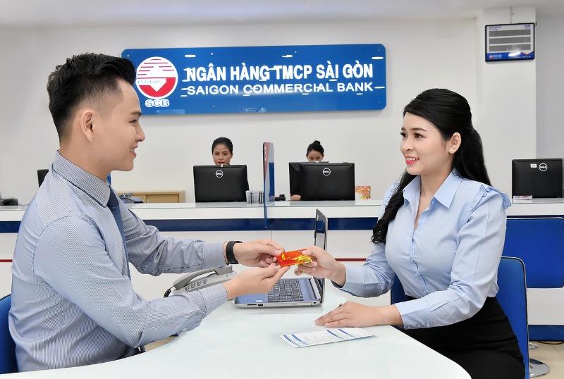 Liên hệ nhân viên tư vấn của SCB để được hỗ trợ tư vấn giờ làm việc ngân hàng