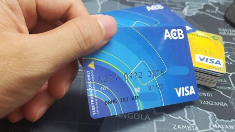 Phí quản lý tài khoản thẻ thanh toán của ngân hàng ACB