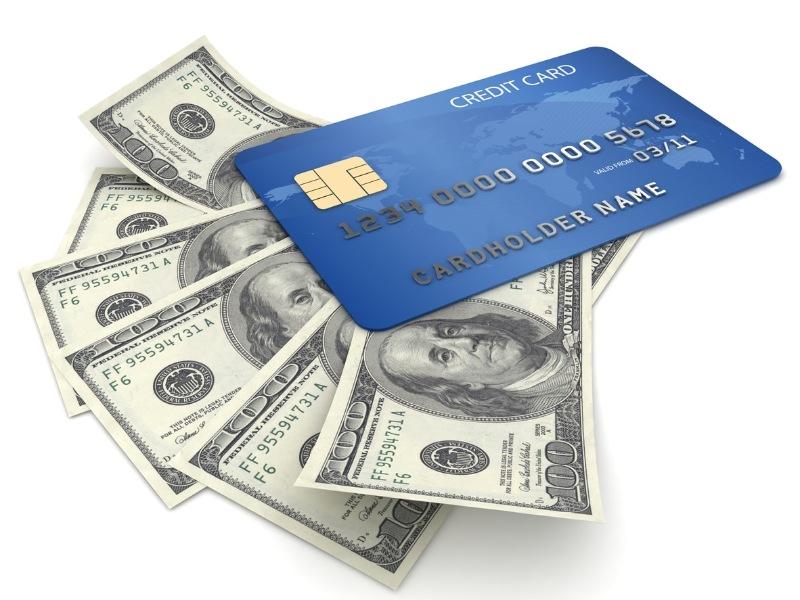 Các bạn có thể rút tiền trước thời hạn qua cây ATM hay thông qua Internet Banking