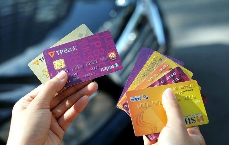 Vay tiền bằng CMND và thẻ ATM