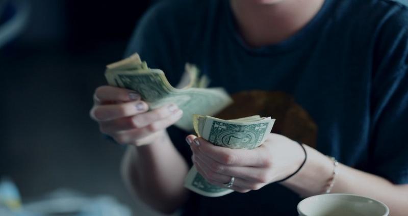 Có nên vay tiền nóng xã hội đen không?